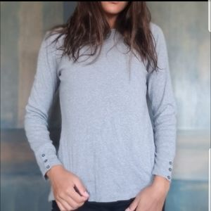 Grey long sleeve gap shirt